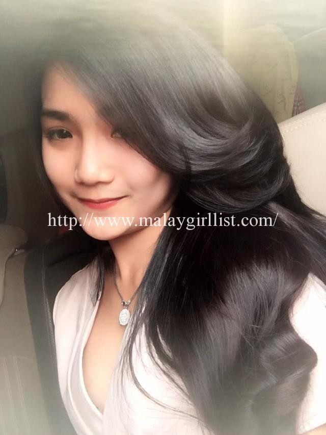 Fina – She will grab your attention from the first moment you lay your eyes on her